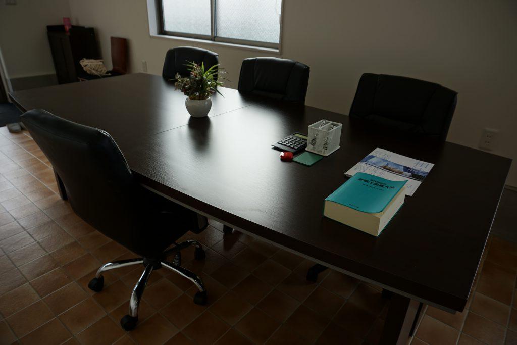 事務所テーブル2
