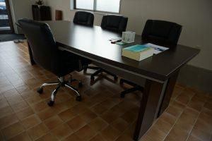 事務所テーブル